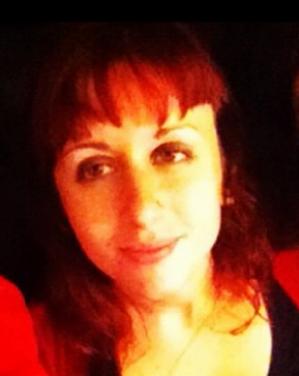 charlene-red4-thumb